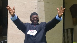Past IPPNW co-president Dr. Bob Mtonga celebrates ratification of ATT by 50 states